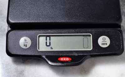 weight display on kitchen scale