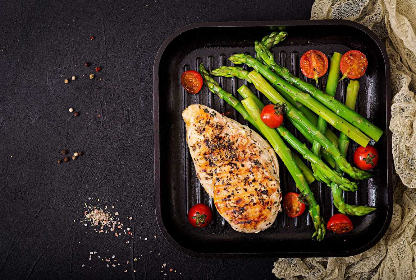 grilled chicken and asparagus with montreal steak seasoning