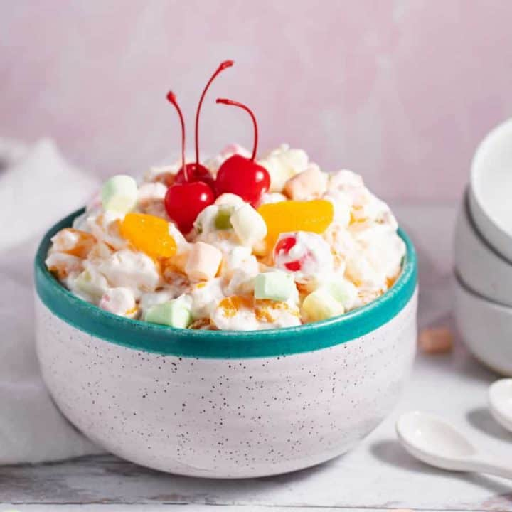 Easy Ambrosia Salad with Cool Whip