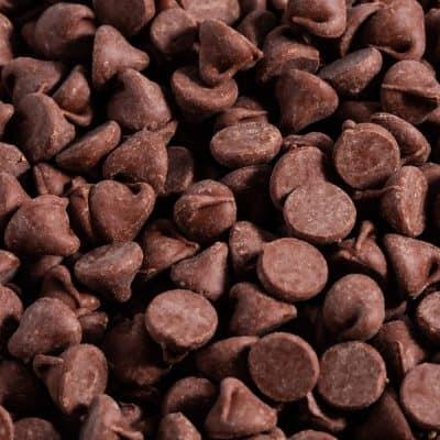 How Many Chocolate Chips in a Cup? (standard, mini, jumbo, & chunks)